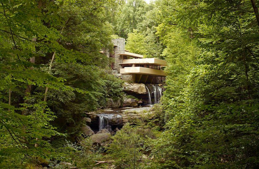 Fallingwater,_also_known_as_the_Edgar_J._Kaufmann,_Sr.,_residence,_Pennsylvania,_by_Carol_M._Highsmith