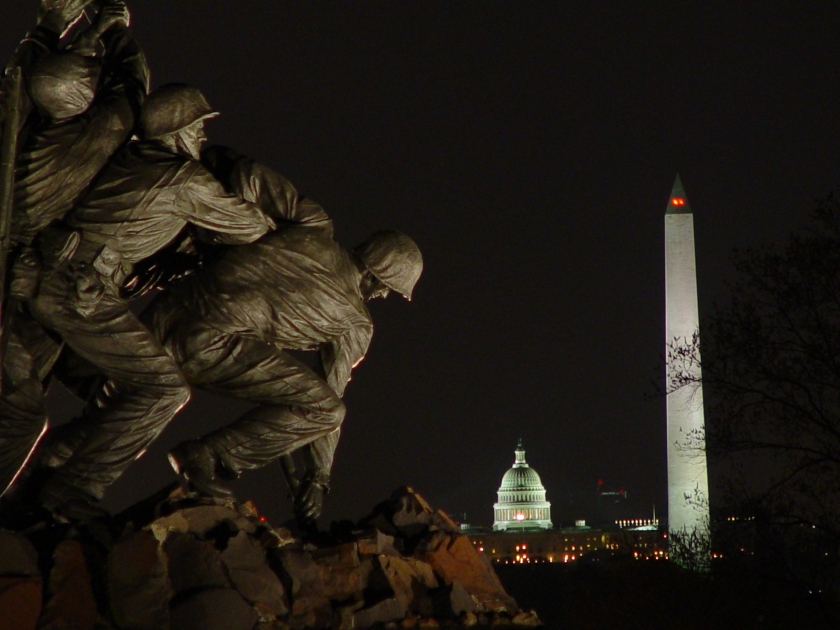Night_view_of_Washington_Monuments