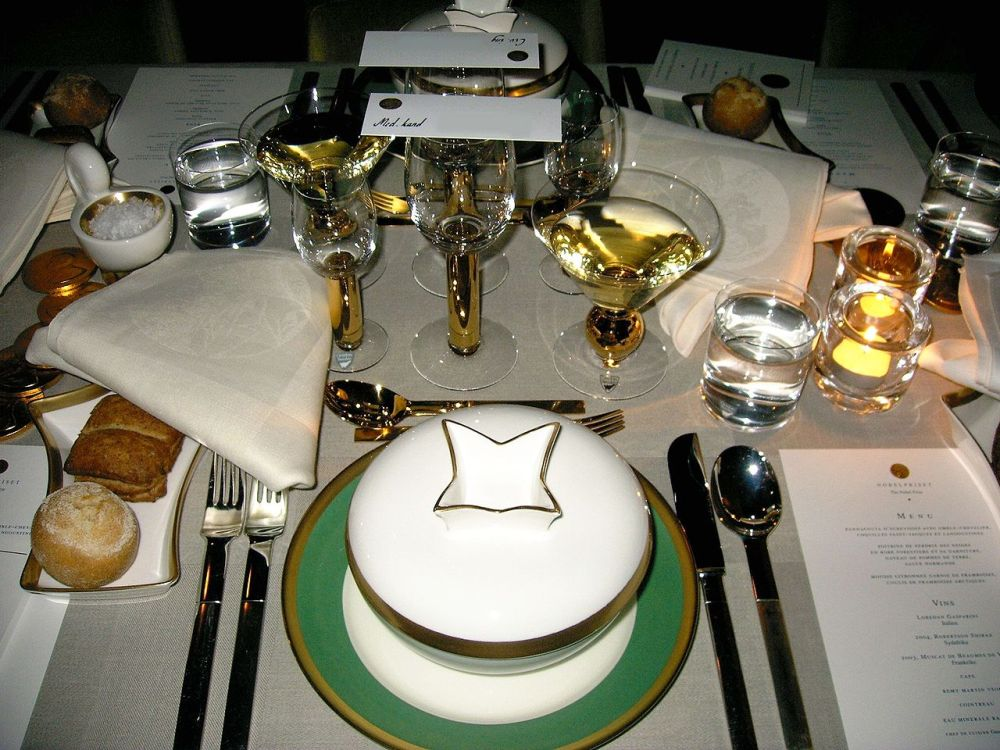 Nobel-banquet-table